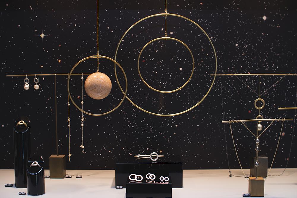 galaxy-globe